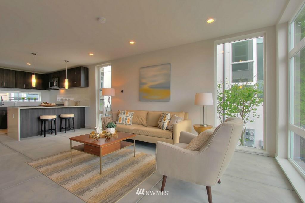 Sold Property   2536 E Madison Street Seattle, WA 98112 9