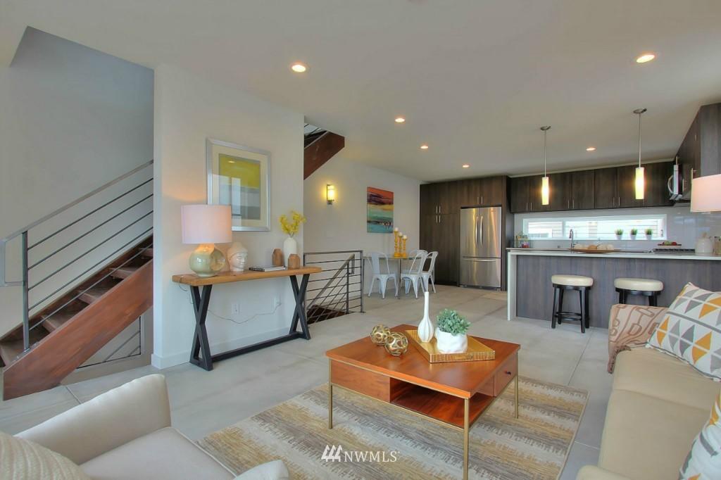 Sold Property   2536 E Madison Street Seattle, WA 98112 8