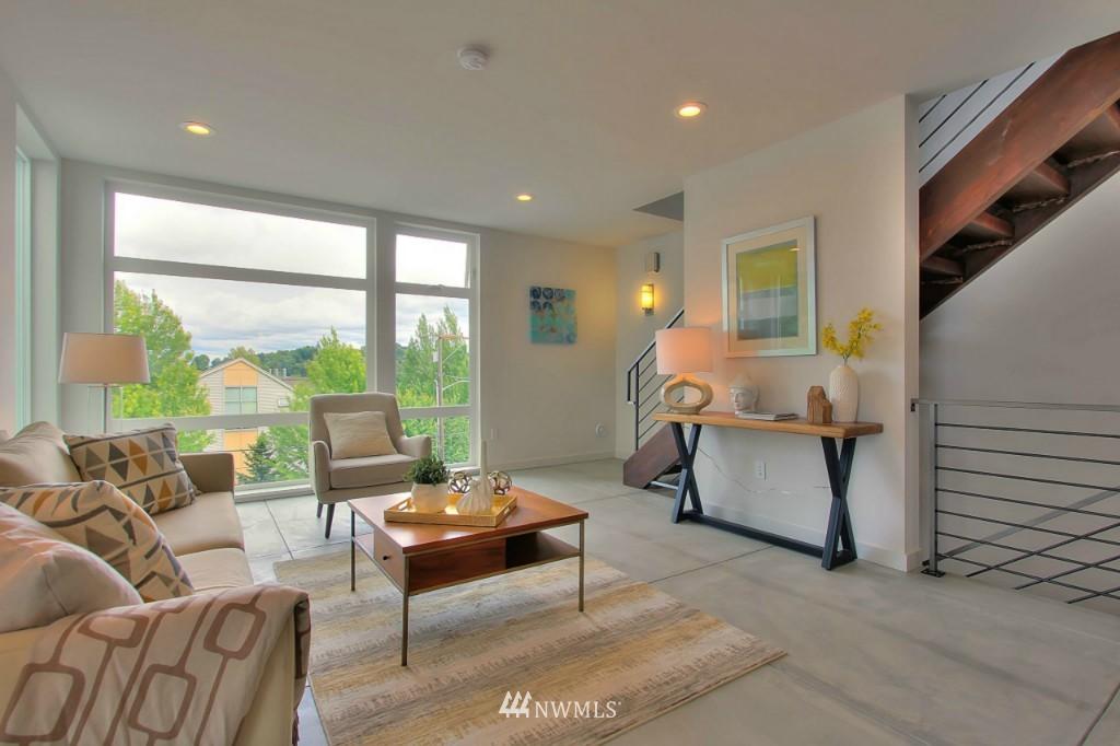 Sold Property   2536 E Madison Street Seattle, WA 98112 7