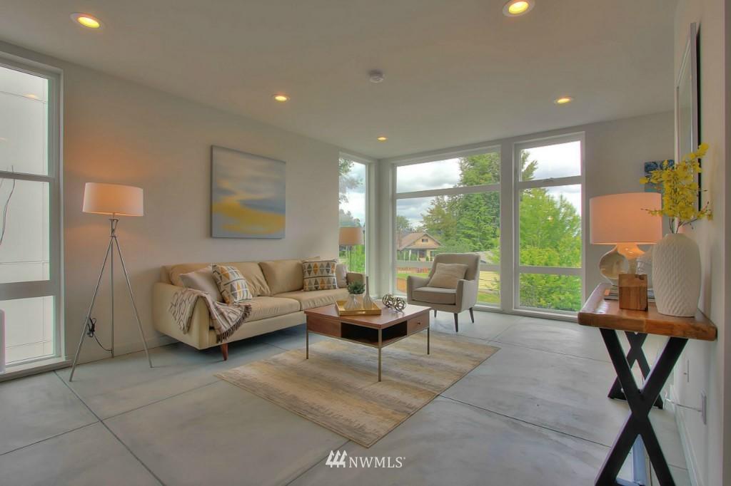 Sold Property   2536 E Madison Street Seattle, WA 98112 6