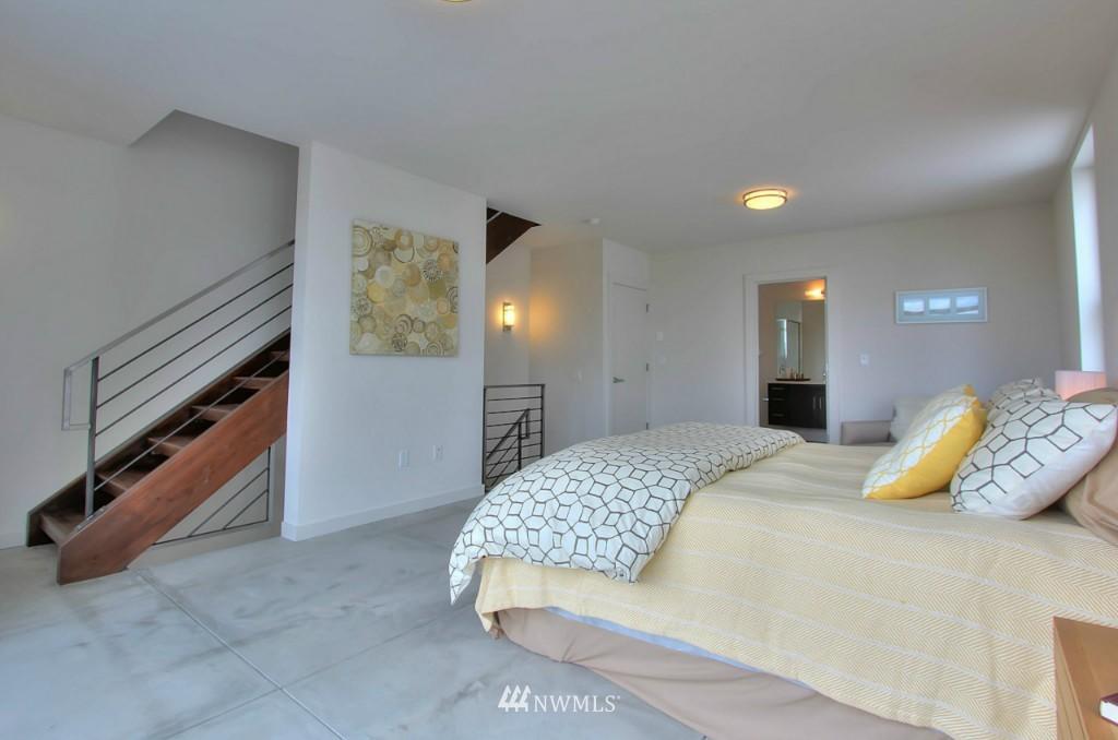 Sold Property   2536 E Madison Street Seattle, WA 98112 12