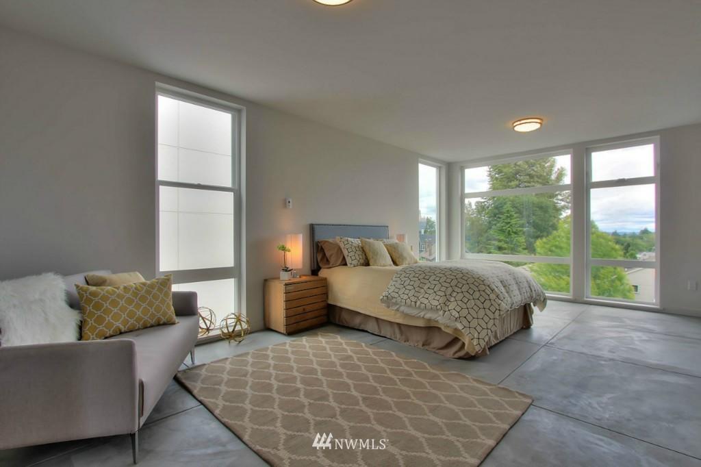 Sold Property   2536 E Madison Street Seattle, WA 98112 10