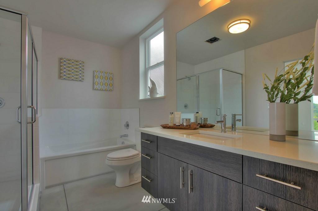 Sold Property   2536 E Madison Street Seattle, WA 98112 13