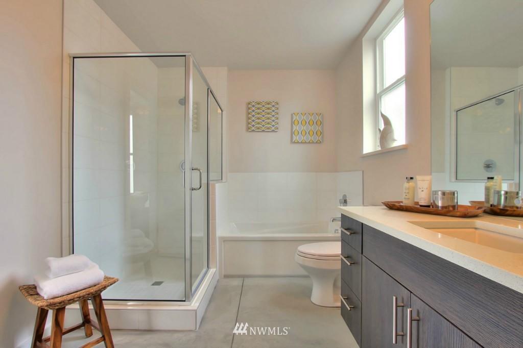 Sold Property   2536 E Madison Street Seattle, WA 98112 14
