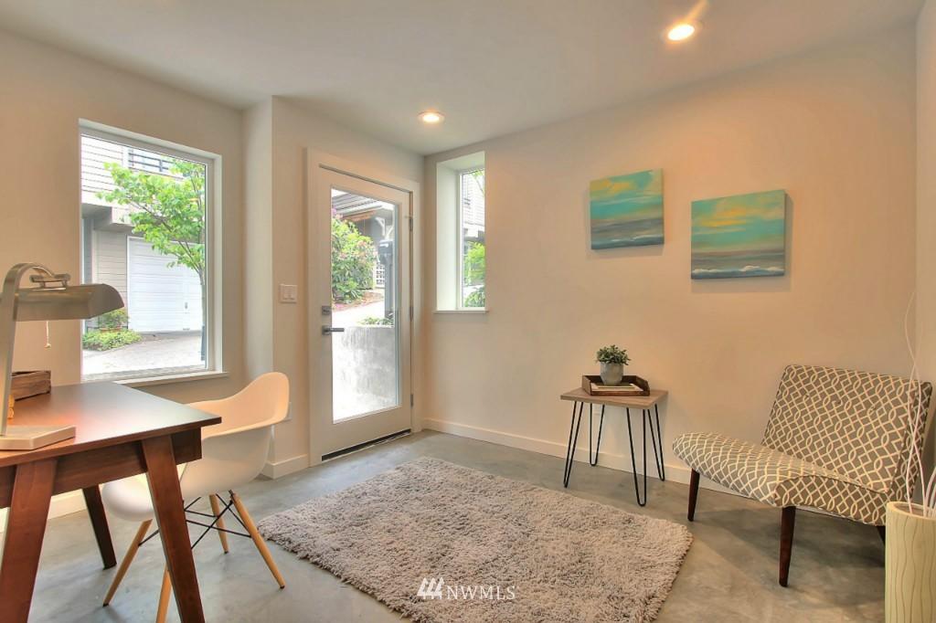 Sold Property   2536 E Madison Street Seattle, WA 98112 20