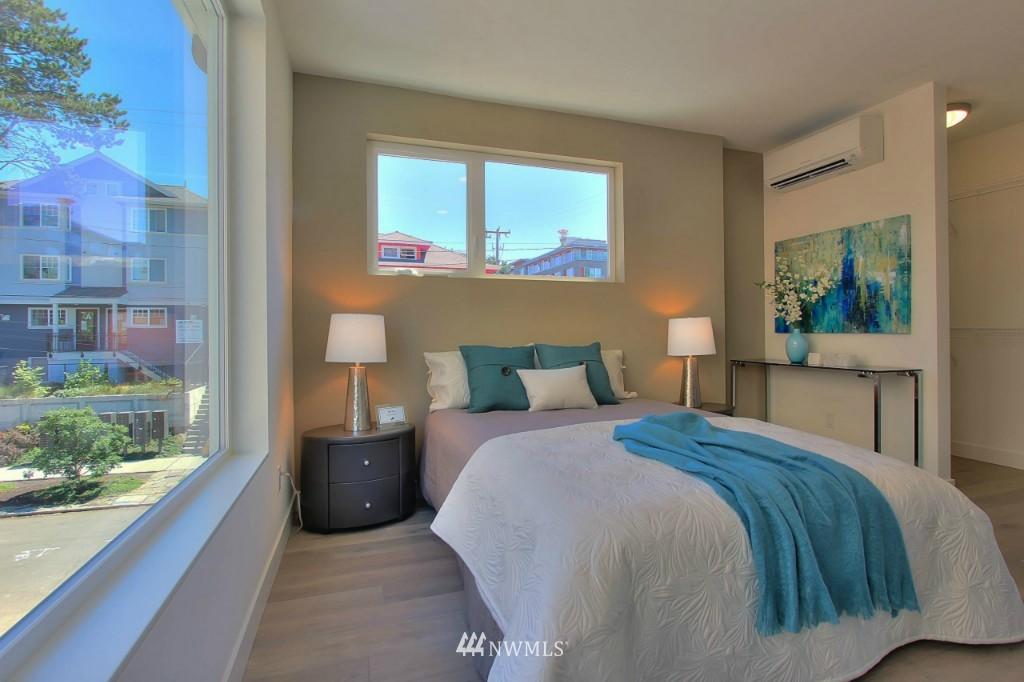 Sold Property   1224 E John Street Seattle, WA 98102 13