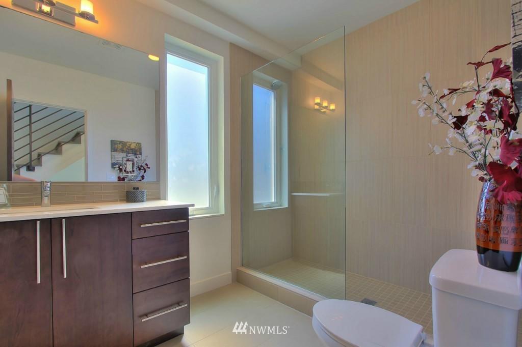 Sold Property   1224 E John Street Seattle, WA 98102 14