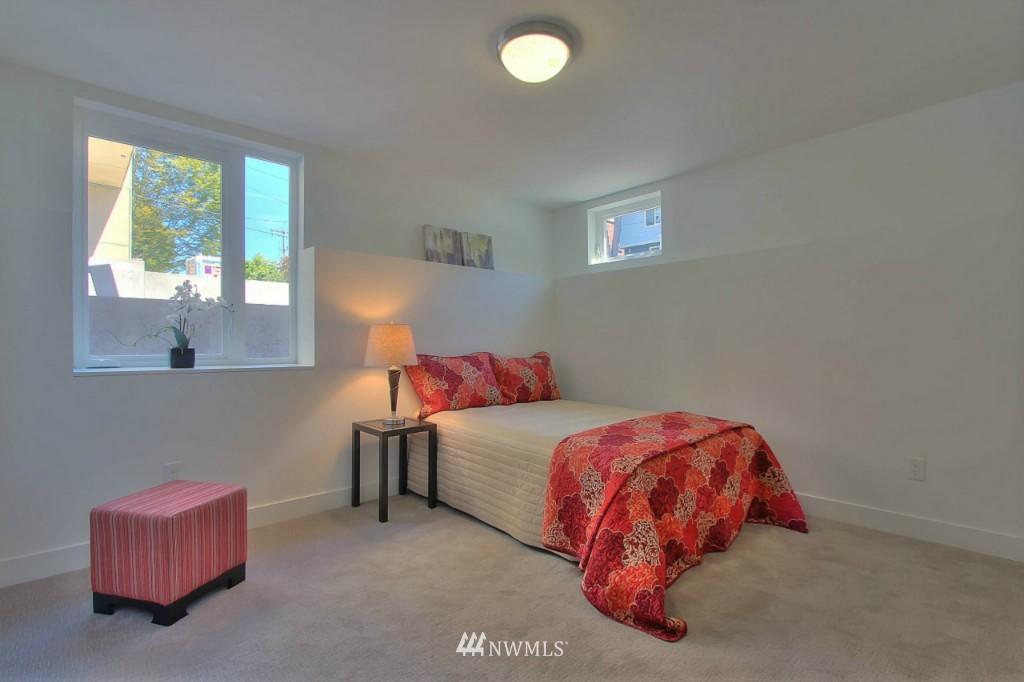 Sold Property   1224 E John Street Seattle, WA 98102 18