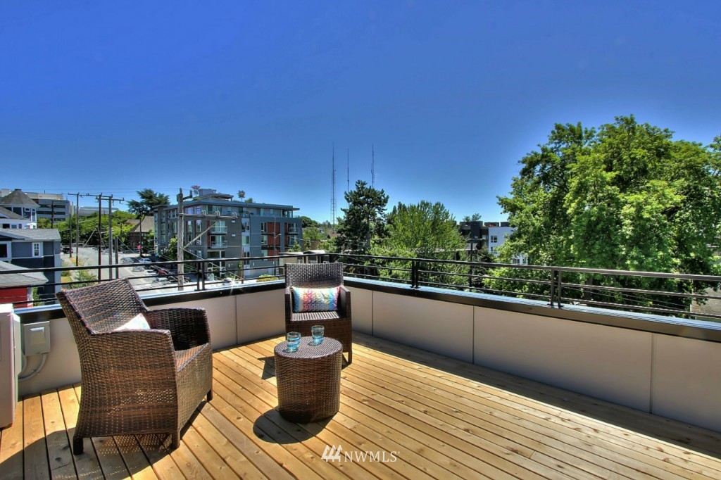 Sold Property   1224 E John Street Seattle, WA 98102 19
