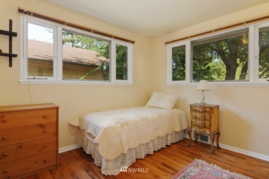 Sold Property | 11544 9th Avenue NE Seattle, WA 98125 9