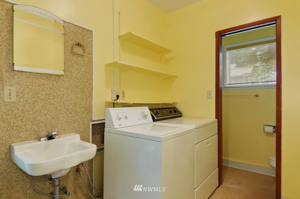 Sold Property | 11544 9th Avenue NE Seattle, WA 98125 12