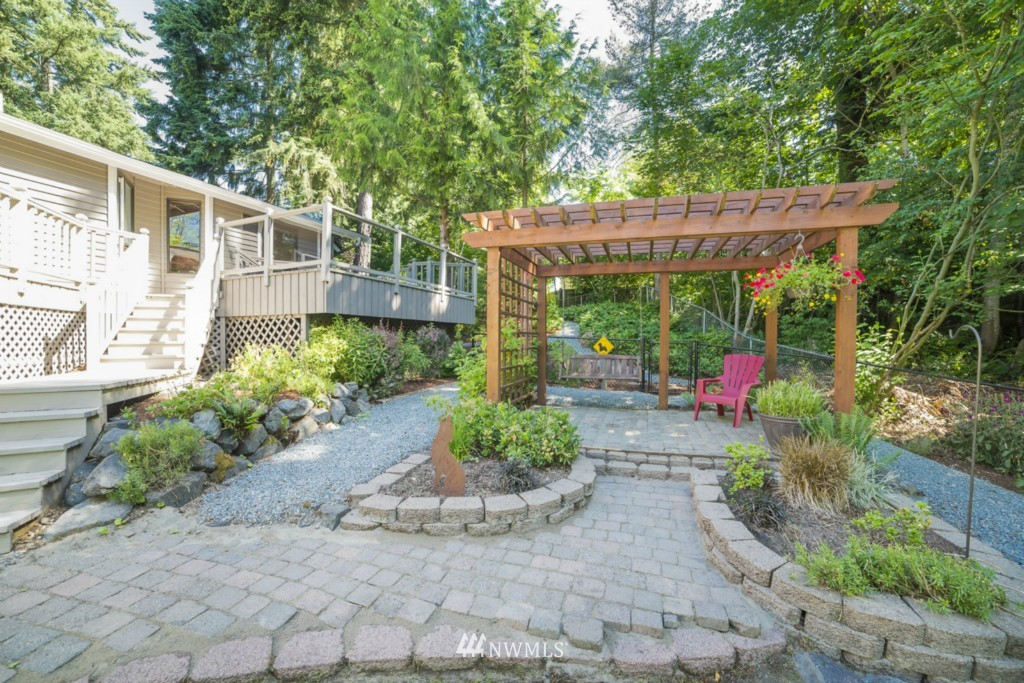 Sold Property | 21787 20th Place W Brier, WA 98036 6
