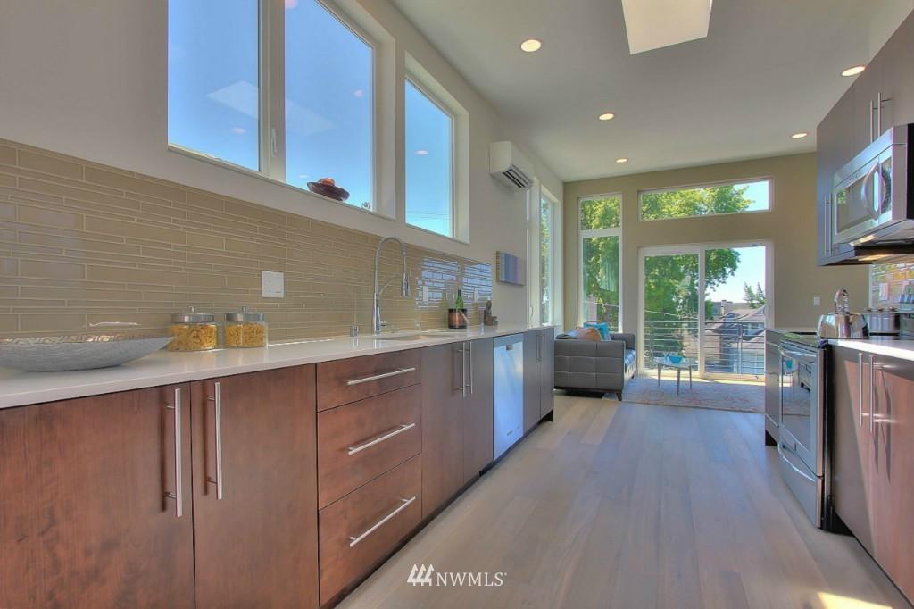 Sold Property | 1226 E John Street Seattle, WA 98102 6