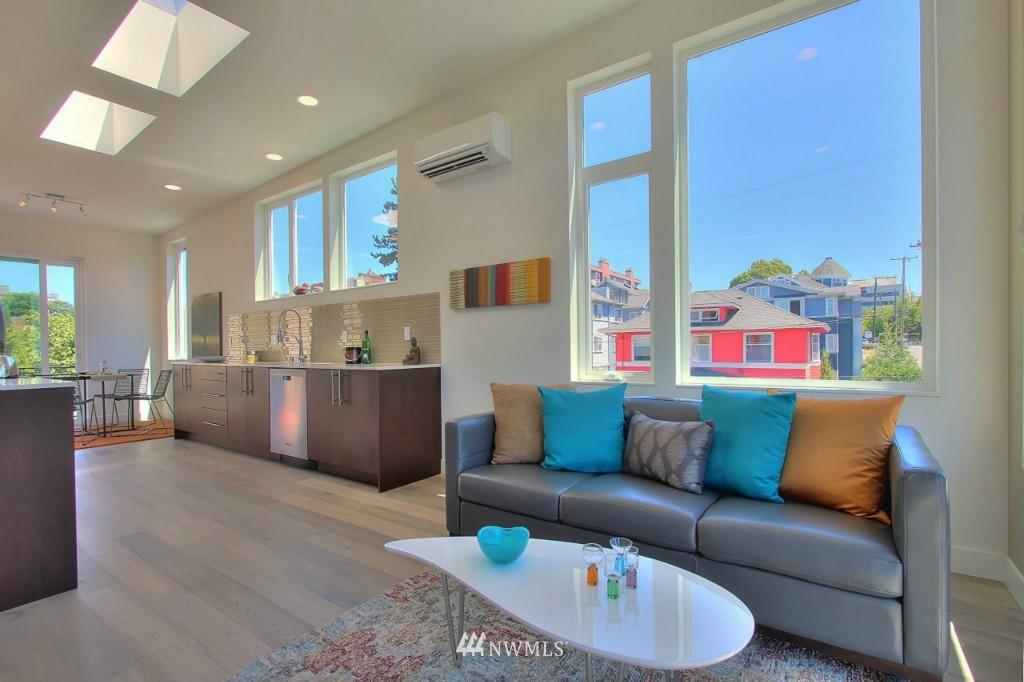 Sold Property   1222 E John Street Seattle, WA 98102 3