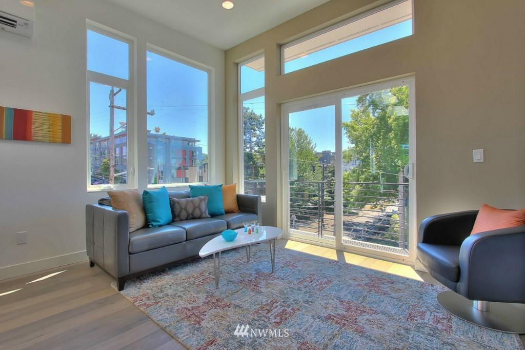 Sold Property   1222 E John Street Seattle, WA 98102 7