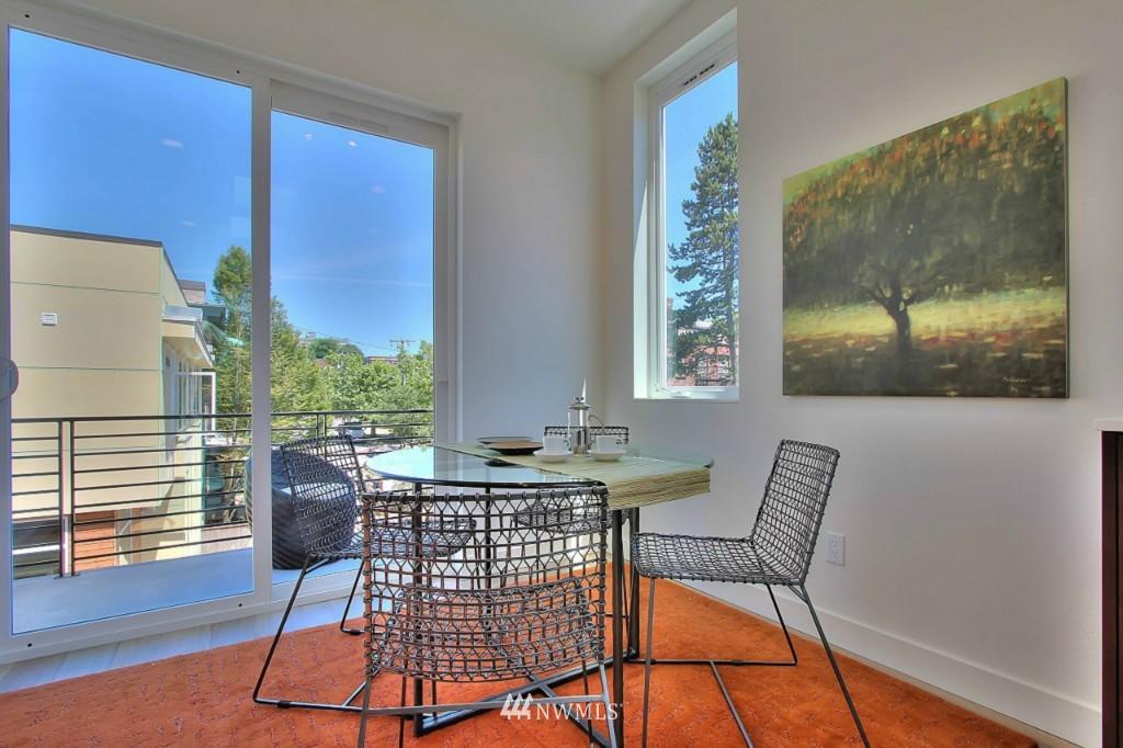 Sold Property   1222 E John Street Seattle, WA 98102 8