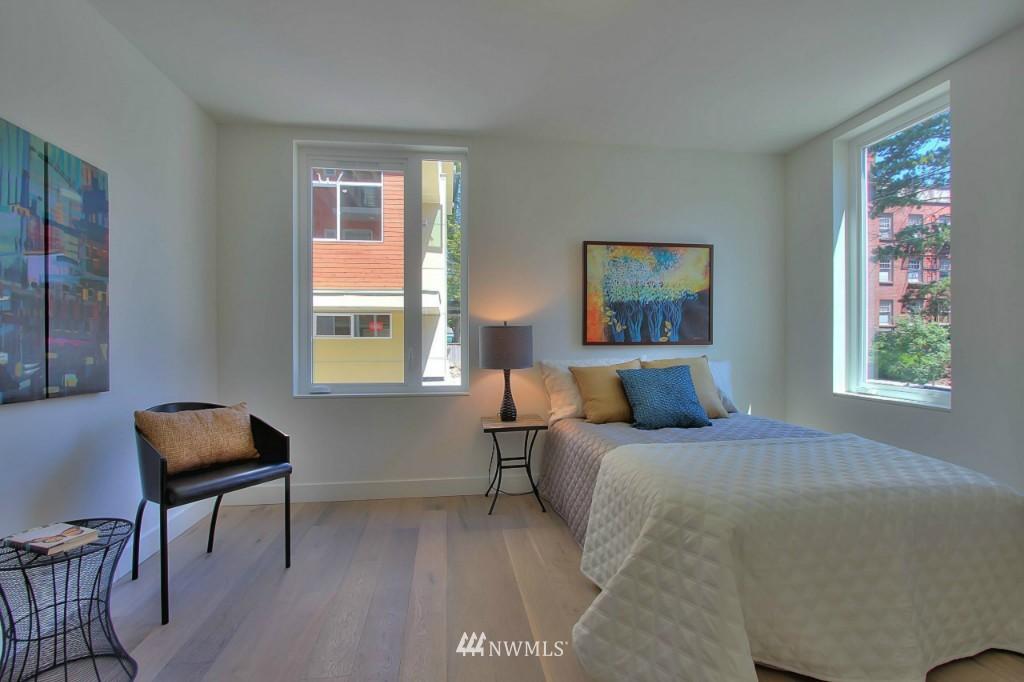 Sold Property   1222 E John Street Seattle, WA 98102 15