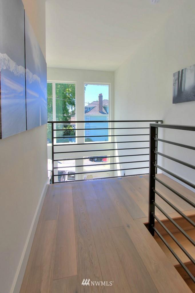 Sold Property   1222 E John Street Seattle, WA 98102 17