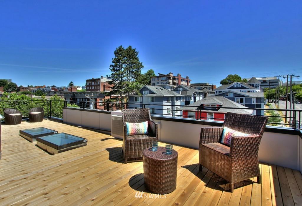 Sold Property   1222 E John Street Seattle, WA 98102 20