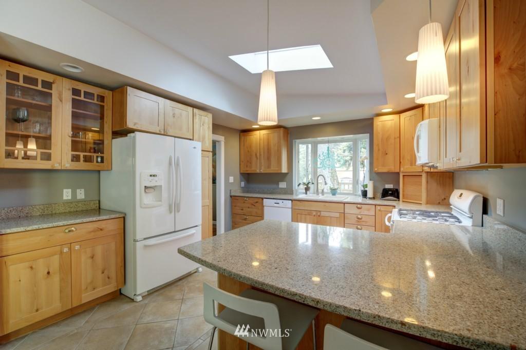 Sold Property | 704 N 163rd Seattle, WA 98133 8