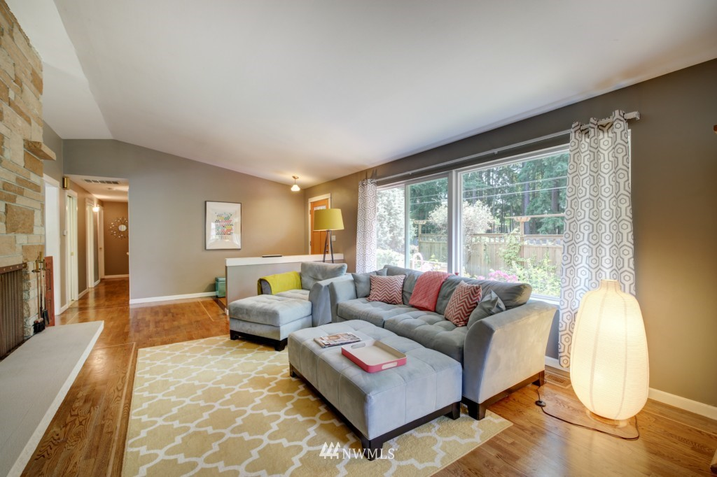 Sold Property | 704 N 163rd Seattle, WA 98133 2