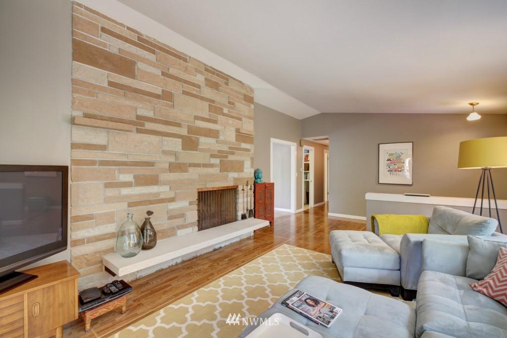 Sold Property | 704 N 163rd Seattle, WA 98133 4