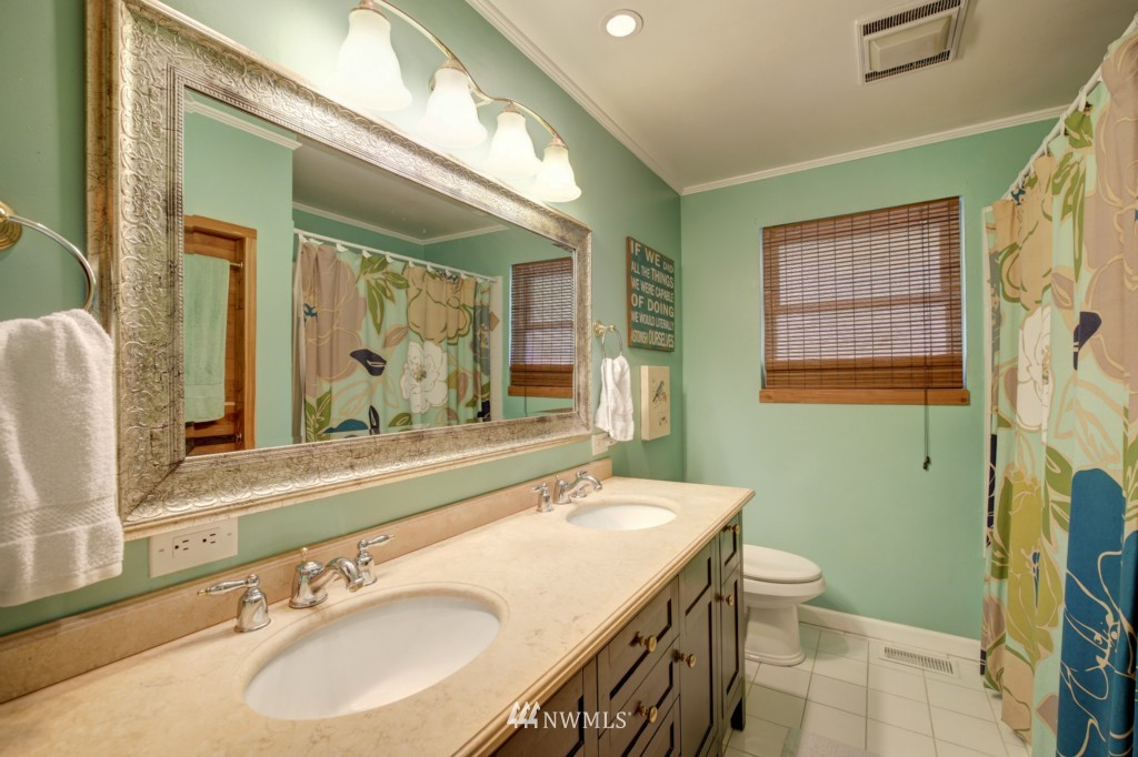 Sold Property | 704 N 163rd Seattle, WA 98133 15