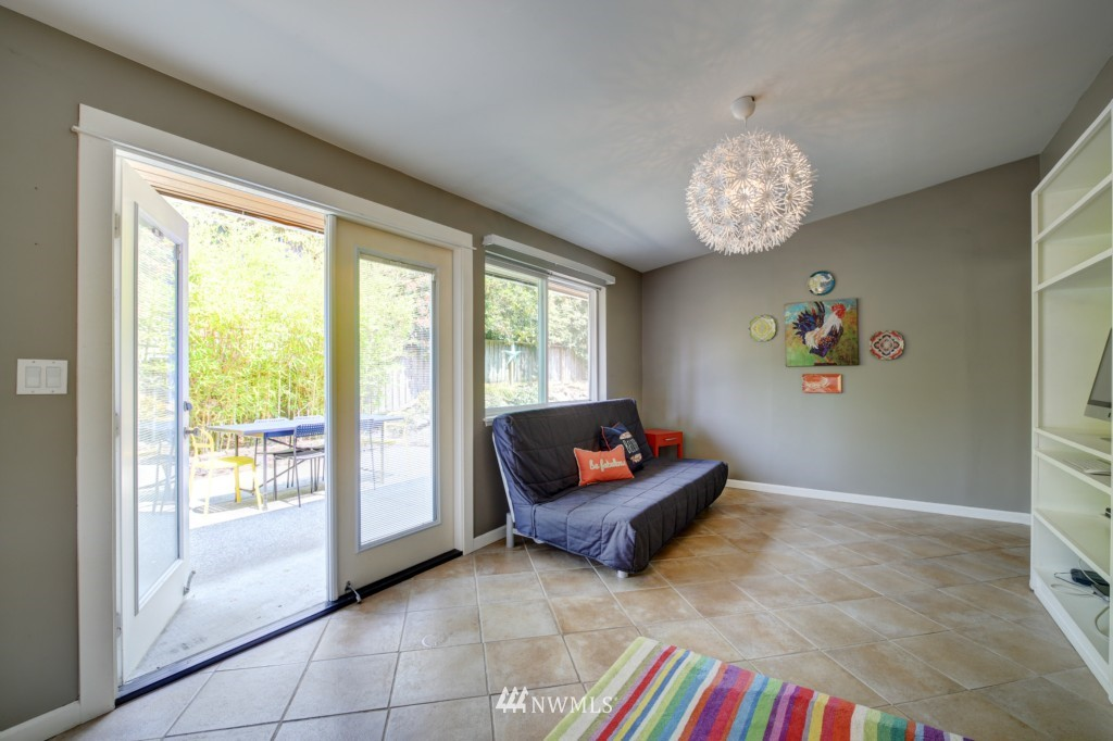 Sold Property | 704 N 163rd Seattle, WA 98133 11