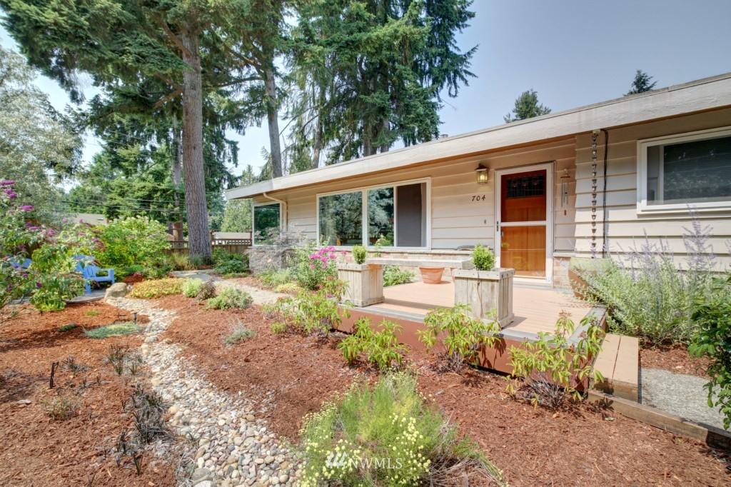 Sold Property | 704 N 163rd Seattle, WA 98133 0