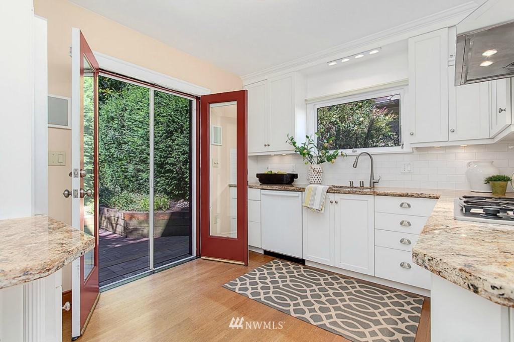 Sold Property   610 NE 77th Street Seattle, WA 98115 4
