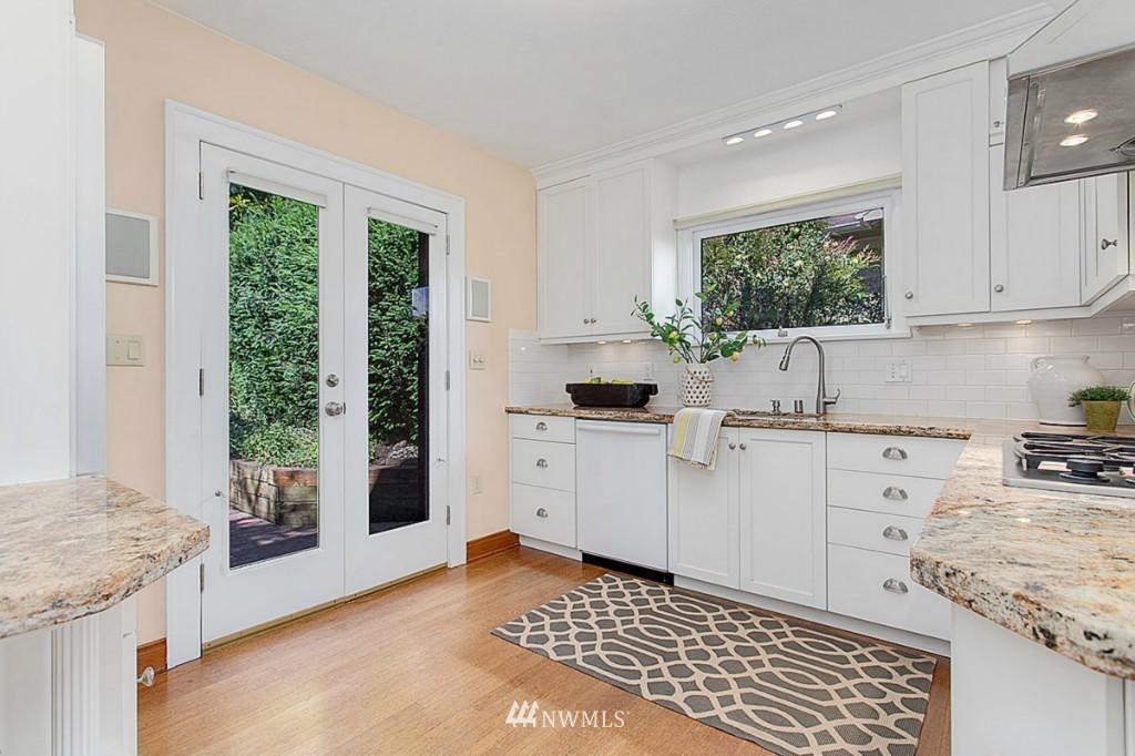 Sold Property   610 NE 77th Street Seattle, WA 98115 5