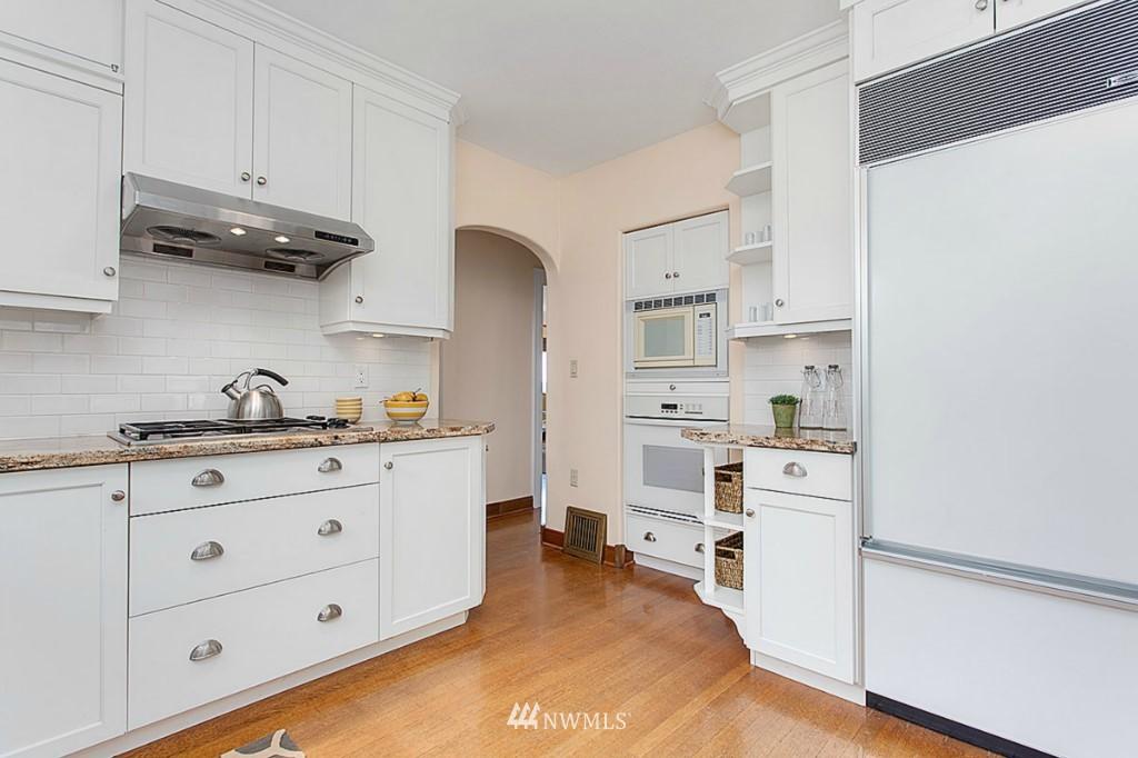 Sold Property   610 NE 77th Street Seattle, WA 98115 7