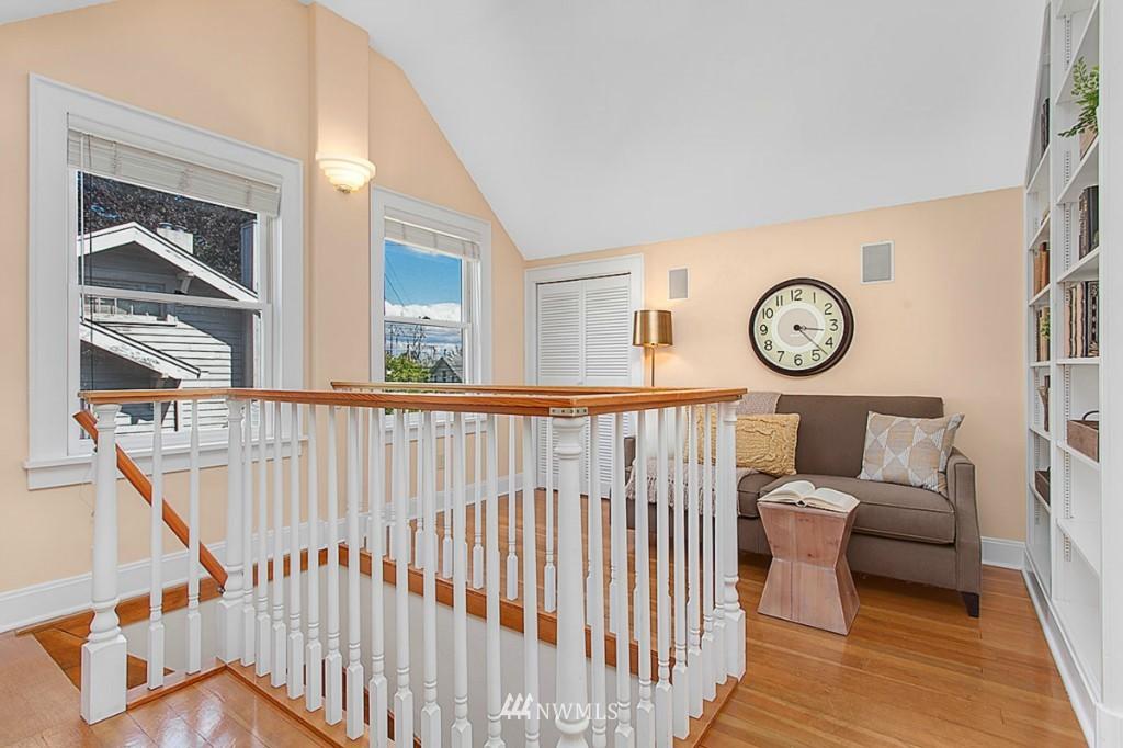 Sold Property   610 NE 77th Street Seattle, WA 98115 10