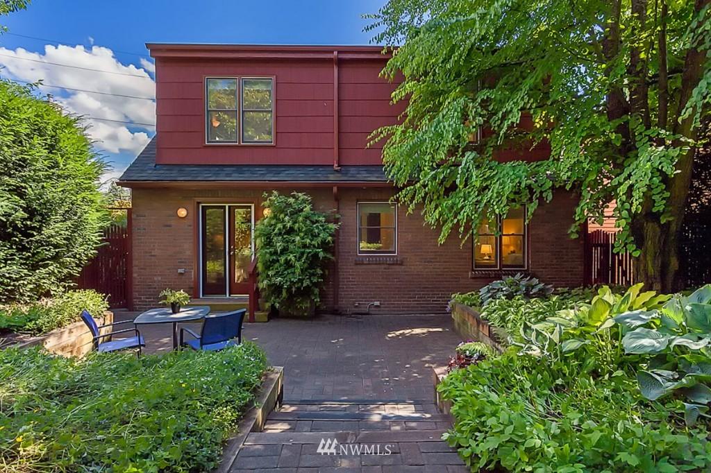 Sold Property   610 NE 77th Street Seattle, WA 98115 17