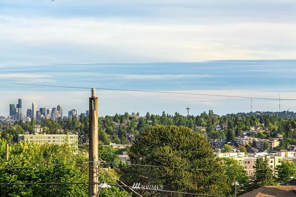 Sold Property   610 NE 77th Street Seattle, WA 98115 19