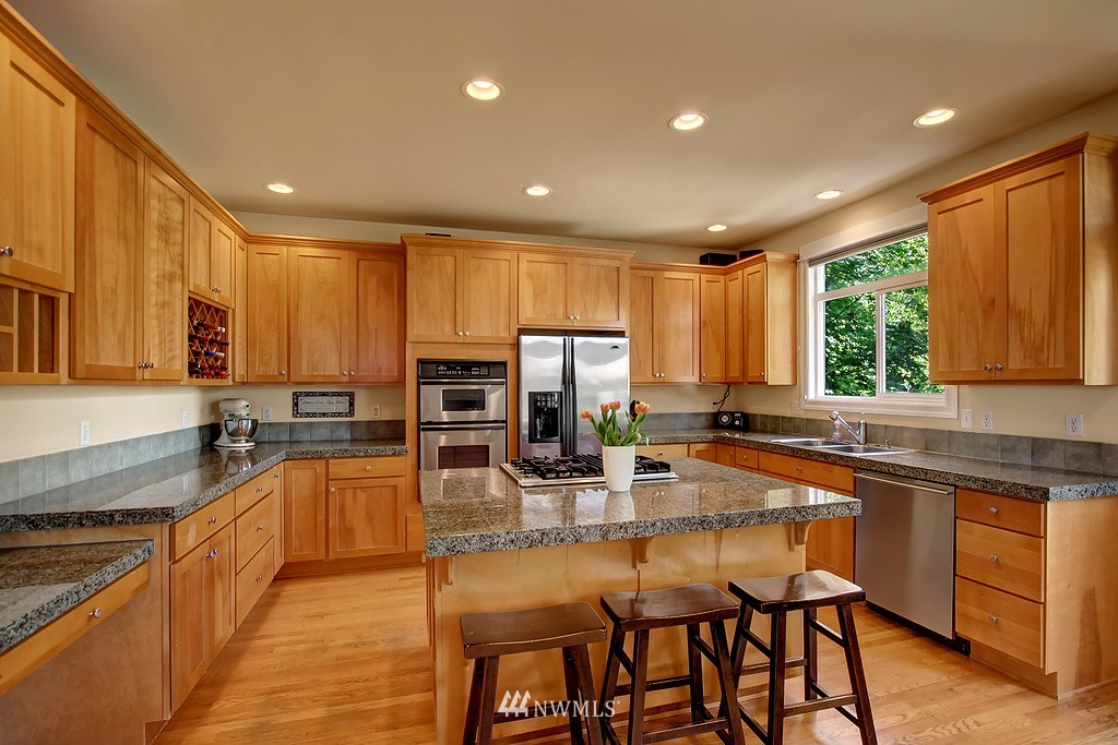 Sold Property   3200 NW 73rd Street Seattle, WA 98117 2