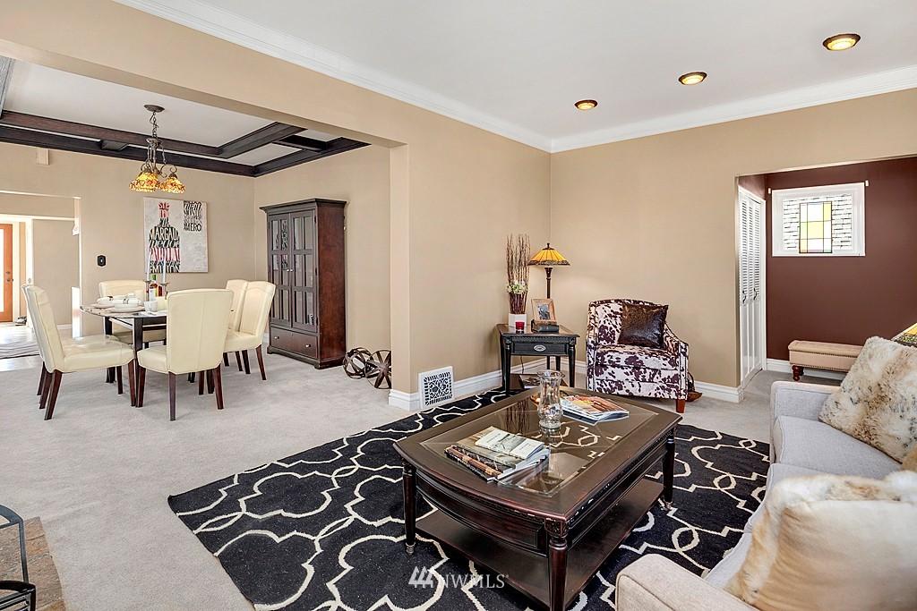 Sold Property   5431 Kirkwood Place N Seattle, WA 98103 3