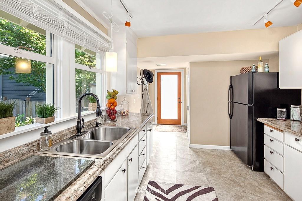 Sold Property   5431 Kirkwood Place N Seattle, WA 98103 6