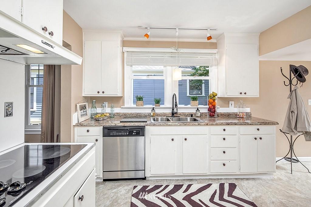 Sold Property   5431 Kirkwood Place N Seattle, WA 98103 7