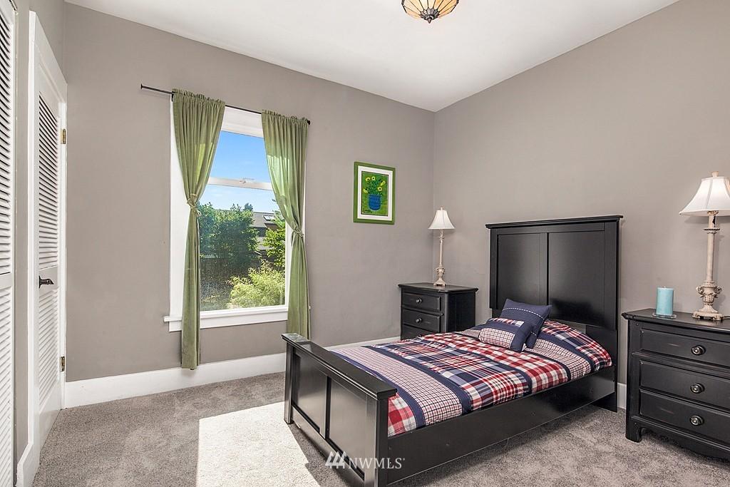 Sold Property   5431 Kirkwood Place N Seattle, WA 98103 9
