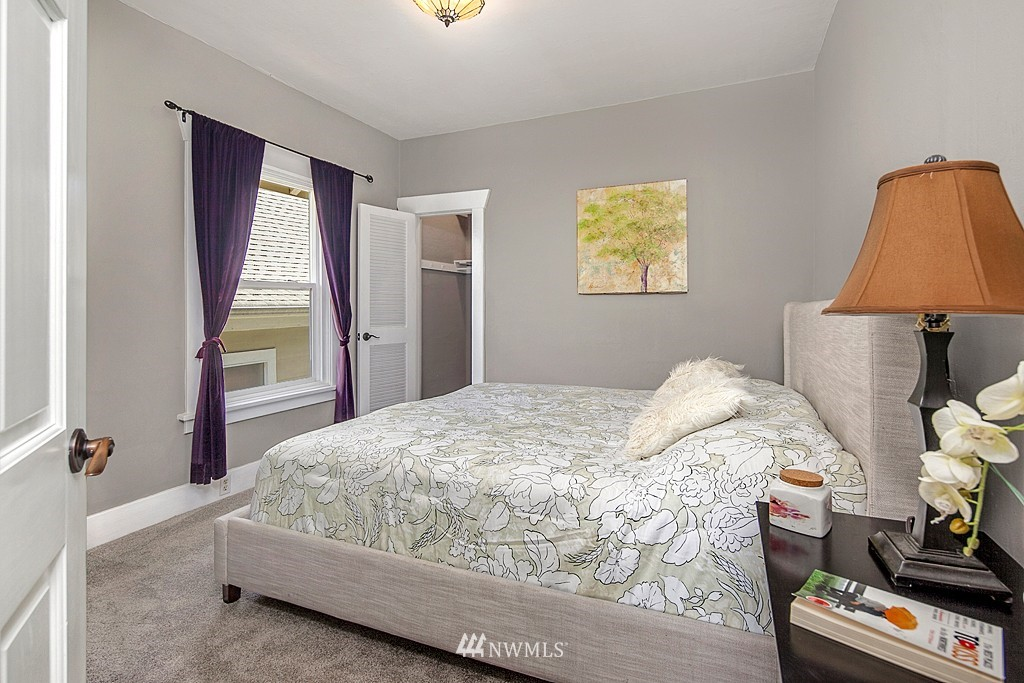 Sold Property   5431 Kirkwood Place N Seattle, WA 98103 11