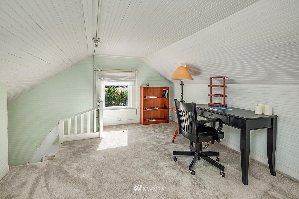 Sold Property   5431 Kirkwood Place N Seattle, WA 98103 12