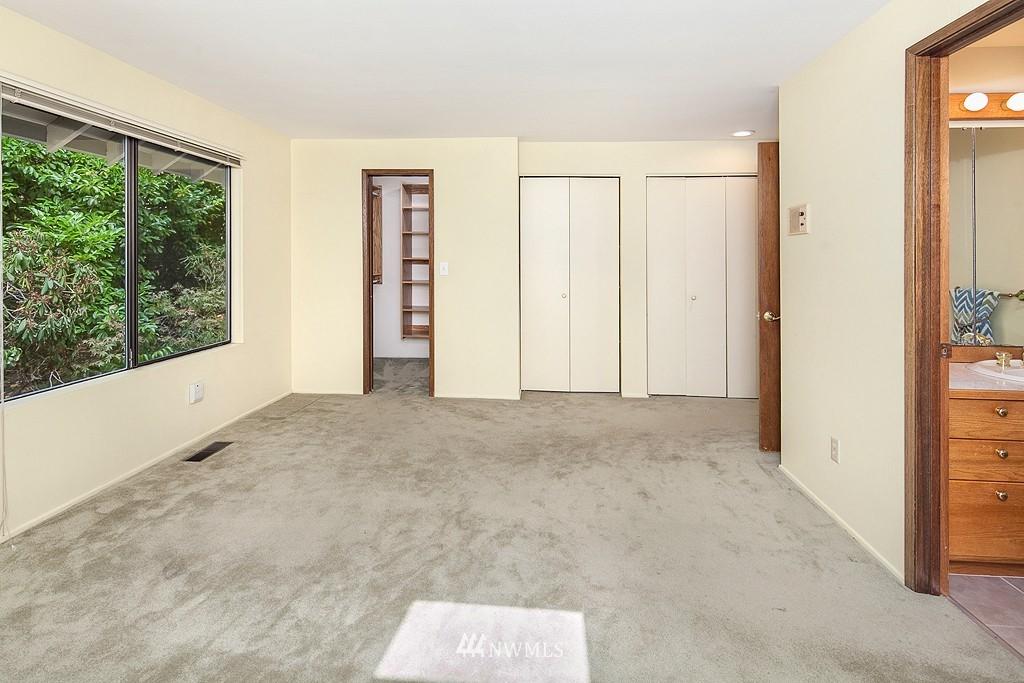 Sold Property | 12800 NE 26th Place Bellevue, WA 98005 9