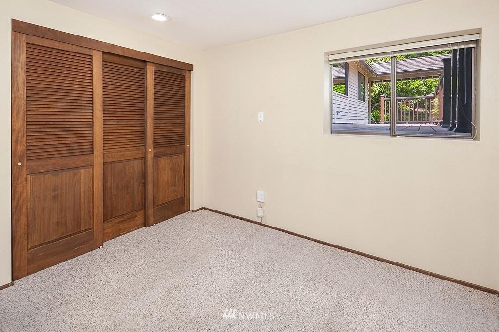 Sold Property | 12800 NE 26th Place Bellevue, WA 98005 16