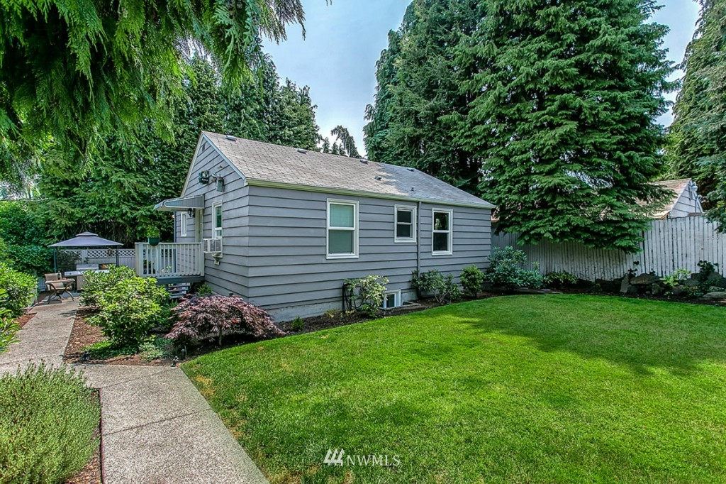 Sold Property | 13249 1st Avenue S Burien, WA 98168 3