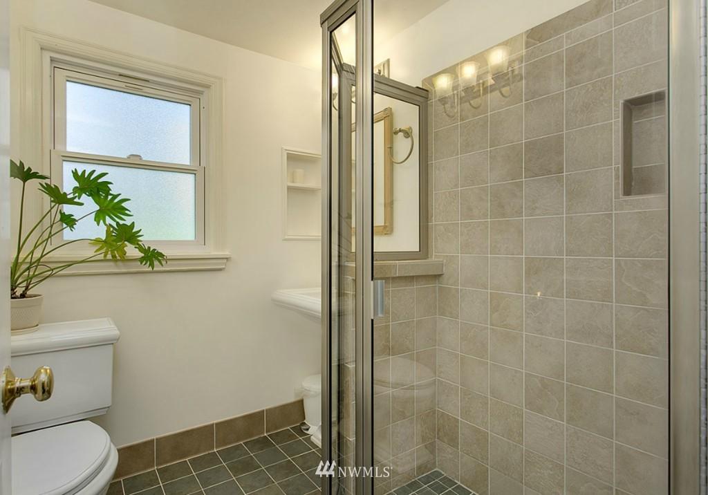 Sold Property | 13249 1st Avenue S Burien, WA 98168 11