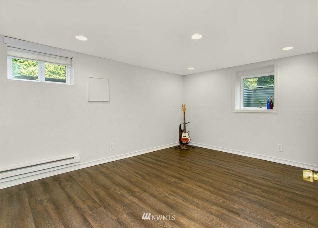 Sold Property | 13249 1st Avenue S Burien, WA 98168 15