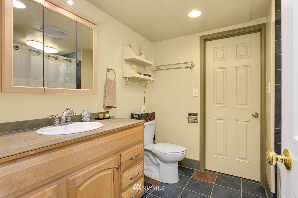 Sold Property | 13249 1st Avenue S Burien, WA 98168 16