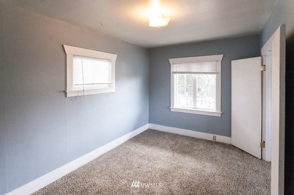 Sold Property | 1840 N 54th Street Seattle, WA 98103 3