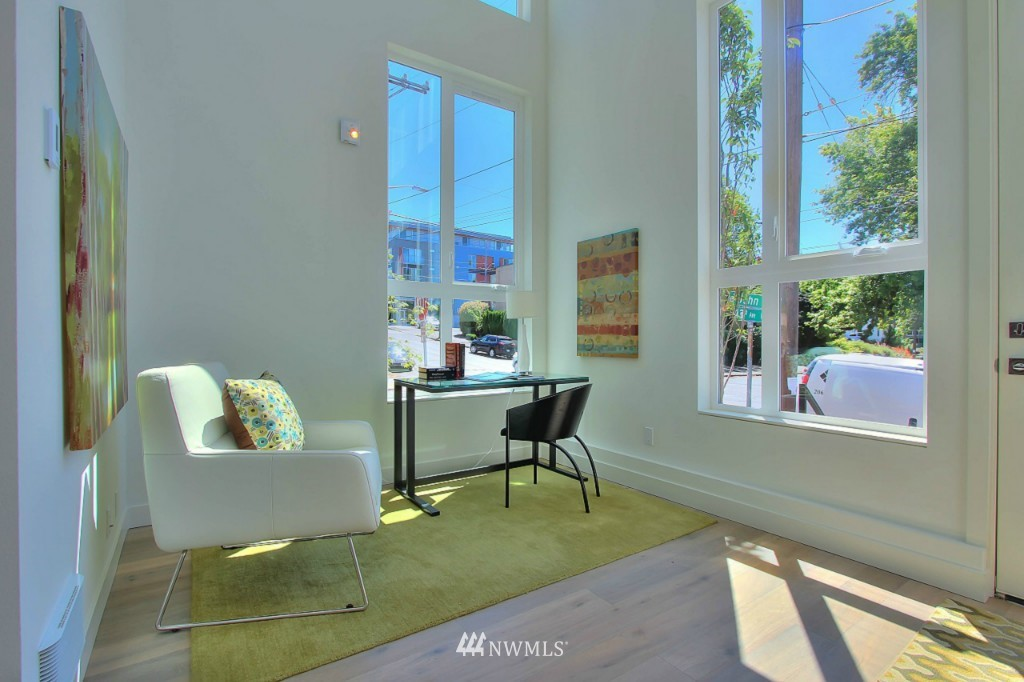 Sold Property   1220 E John Street Seattle, WA 98102 2